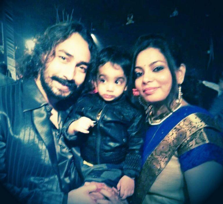 Amit Tiwari Wife