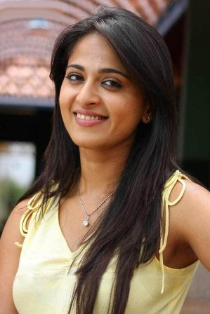 Anushka, Anushka photos, Anushka images, Anushka without makeup images, Without makeup images