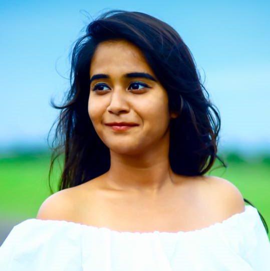 Deepthi Sunaina Caste