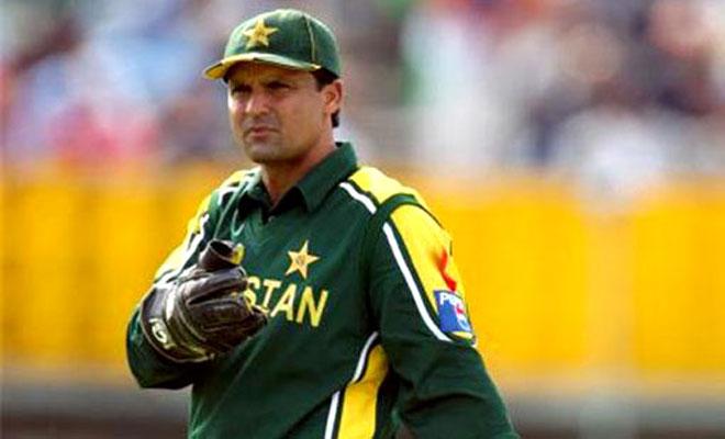 Most dismissals, Most dismissals in ODI, Wicket-Keepers with Most dismissals, ODI, Cricket, Ms Dhoni, Moin Khan, Mark Boucher, Adam Gilchrist, Kumar Sangakkara