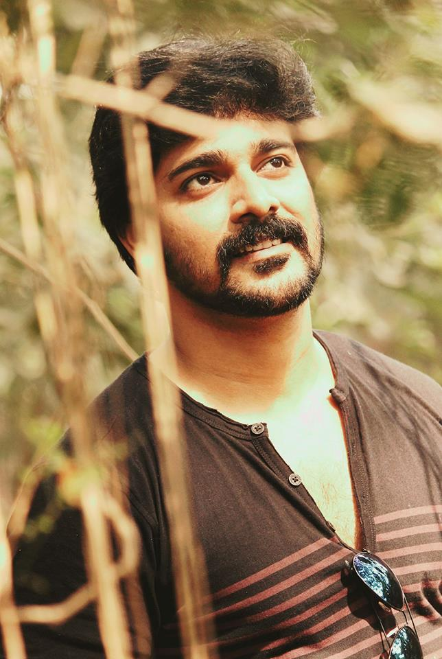 Srinish Aravind,Srinish Aravind Wiki,Srinish Aravind Bigg Boss, Srinish Aravind Bigg Boss Malayalam, Srinish Aravind Biography, Srinish Aravind Caste, Srinish Aravind Age, Biography, Bigg Boss Malayalam, Contestant