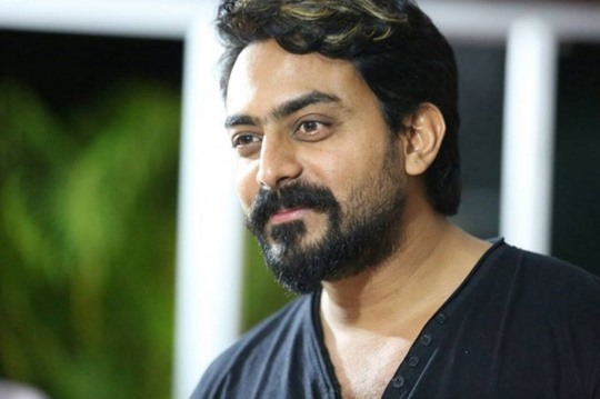 Karthik Jayaram Biography