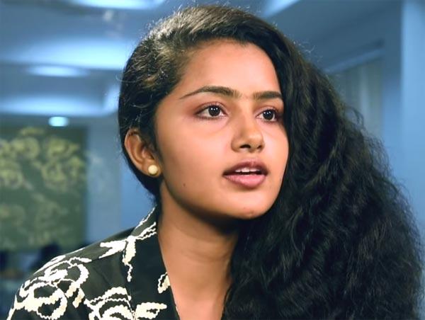 Anupama Parameswaran Actress Kodi Heroine Photos Images