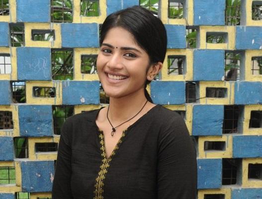 Enai Noki Paayum Thota, Cast & Crew, Enai Noki Paayum Thota Heroine, Enai Noki Paayum Thota Meaning, Dhanush, Gautham Menon, Megha Akash