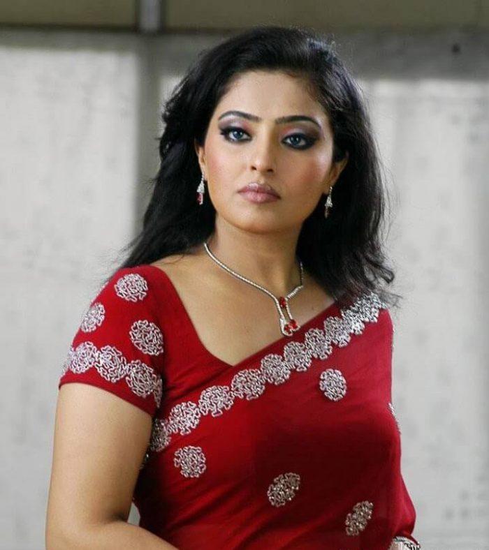 Mumtaj, Mumtaj Age, Mumtaj Wiki, Mumtaj Husband, Mumtaj Biography, Mumtaj Bigg Boss, Mumtaj Family, Bigg Boss Tamil, Contestant, Biography