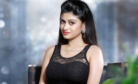 Oviya Actress