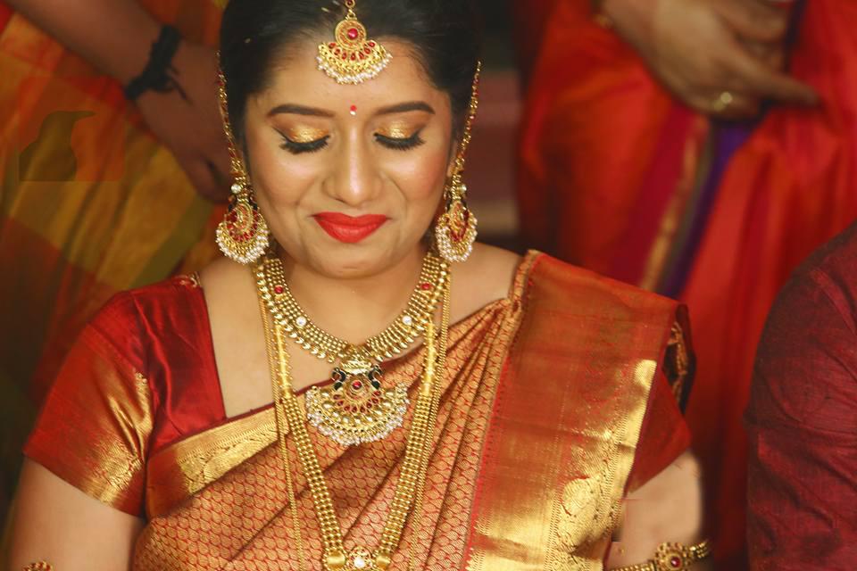 Priyanka Deshpande, Priyanka, Anchor Priyanka, Priyanka Deshpande Wiki, Priyanka Deshpande Age, Priyanka Deshpande Biography, Priyanka Deshpande Profile