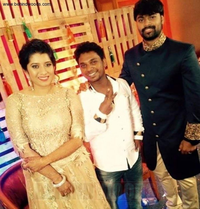 Priyanka Deshpande Marriage, Anchor Priyanka Marriage Photos, Priyanka Praveen Wedding, Priyanka marriage images, Super Singer Anchor Priyanka, Priyanka