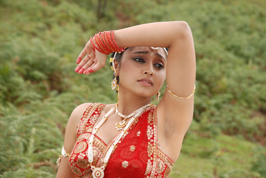 Sreeja, Sreeja Wiki, Sreeja Age, Sreeja Serial Actress, Sreeja Actress, Sreeja Mappillai, Sreeja Height, Sreeja Weight, Sreeja Date of Birth, Sreeja Biography, Sreeja Family, Sreeja Chandran, Sreeja Photos, Celebrity Biography